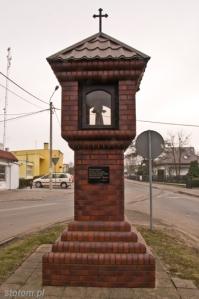 Serock |kapliczka św. Antoniego | od północnego-zachodu | stan na 2015-02-18