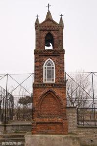 Kuźnica   kapliczka św. Antoniego   od południowego-zachodu   stan na 2013-12-12