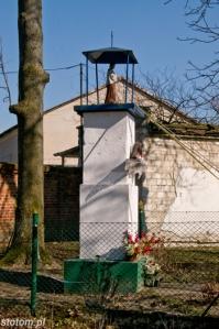 Lipienek | kapliczka św. Jana Nepomucena | od południa | stan na 2013-03-18