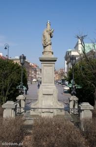 Warszawa | figura Matki Boskiej Passawskiej | widok ogólny | od południa | stan na 2013-04-17