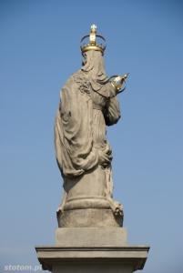 Warszawa | figura Matki Boskiej Passawskiej | figura | od południa | stan na 2013-04-17