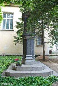 Bydgoszcz | kapliczka Matki Boskiej | od południa | stan na 2013-05-29