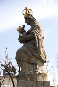 Warszawa | figura Matki Boskiej Passawskiej | figura | od zachodu | stan na 2013-04-17