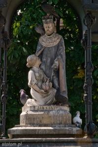 Nowy Targ | figura w kapliczce św. Jana Kantego | od wschodu | stan na 2015-07-19