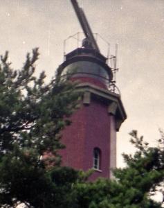 Szczyt wieży latarni morskiej Hel z anteną radarową | 31.08.1991