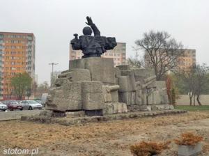 Toruń   pomnik Artylerii Polskiej   widok ogólny   od zachodu   stan na 2015-11-03