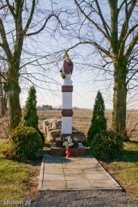 Nawra   kapliczka św. Mikołaja   widok ogólny   od północnego-wschodu   stan na 2015-03-17
