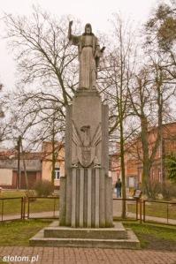 Koronowo | figura Chrystusa | widok ogólny | od zachodu | stan na 2015-02-18