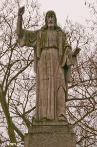 Koronowo | figura Chrystusa | fragment | od zachodu | stan na 2015-02-18