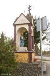 Brzozowo | kapliczka Matki Boskiej Królowej Polski | widok ogólny | od północnego-wschodu | stan na 2016-03-31