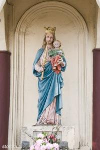 Brzozowo | kapliczka Matki Boskiej Królowej Polski | fragment | od północy | stan na 2016-03-31