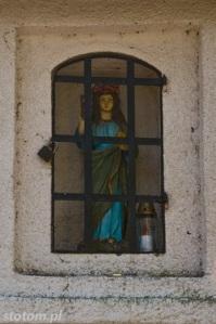 Przeczno | figura św. Rozalii w kapliczce św. Rozalii i św. Rocha | widok ogólny | od północy | stan na 2016-03-31