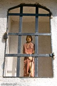 Przeczno | figura św Rocha w kapliczce św. Rozalii i św. Rocha | widok ogólny | od południa | stan na 2016-03-31