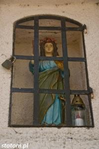 Przeczno | figura św. Rozalii w kapliczce św. Rozalii i św. Rocha| widok ogólny | od północy | stan na 2016-03-31