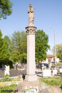 Kruszwica   kolumna Matki Boskiej   widok ogólny   od zachodu   stan na 2016-05-07