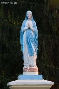 Głogowo | figura Matki Boskiej | figura | od północnego-wschodu | stan na 2016-09-09