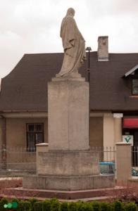 Busko-Zdrój | figura Jezusa Chrystusa | widok ogólny | od zachodu | stan na 2016-07-16