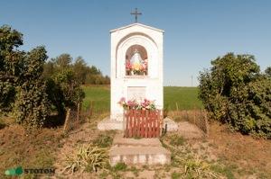 Kruszynki | kapliczka Matki Boskiej | widok ogólny | od południa | stan na 2016-09-15