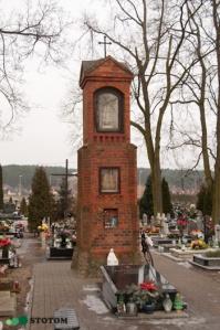 Toruń | kapliczka cmentarna Matki Boskiej w Kaszczorku | widok ogólny | od południowego-zachodu | stan na 2017-01-26