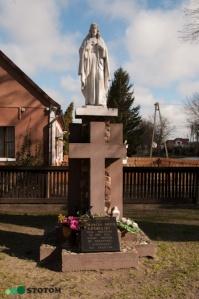 Pieranie | figura Jezusa Chrystusa | widok ogólny | od południa | stan na 2015-04-03