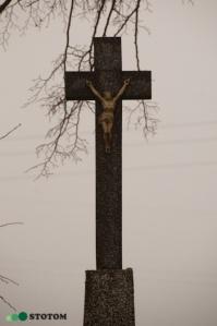 Wąbrzeźno   krzyż   fragment   od południa   stan na 2017-02-17